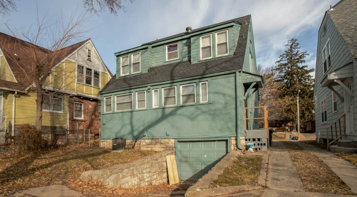2233E69thSt (4 of 24)