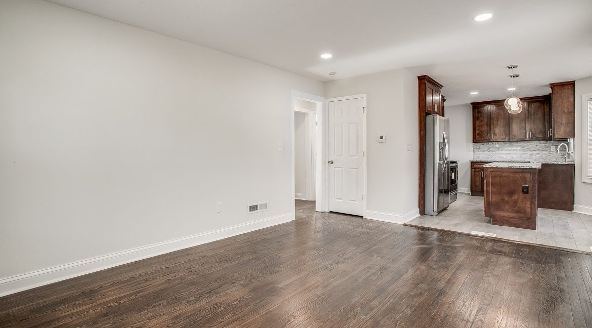 4201E67thSt (6 of 26)